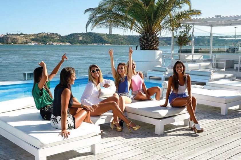 maquilhagem-desfile-biquinis-praia-2015-marta-alves-the-pink-lemonade-maria-bodyline-2